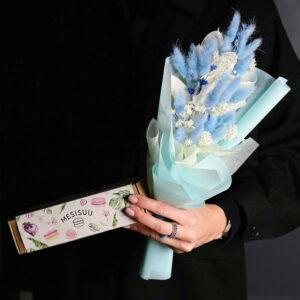 kingikomplekt. Lillede saatmine Tartus