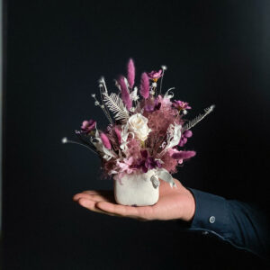Uinuvad roosid lilleseades. DecoRento pood.