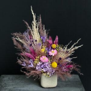 Lilleseade kauasäilivate lilledega